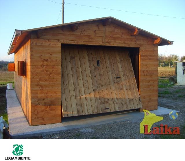 Laika progettazione produzione e vendita di canili box - Garage in legno ...