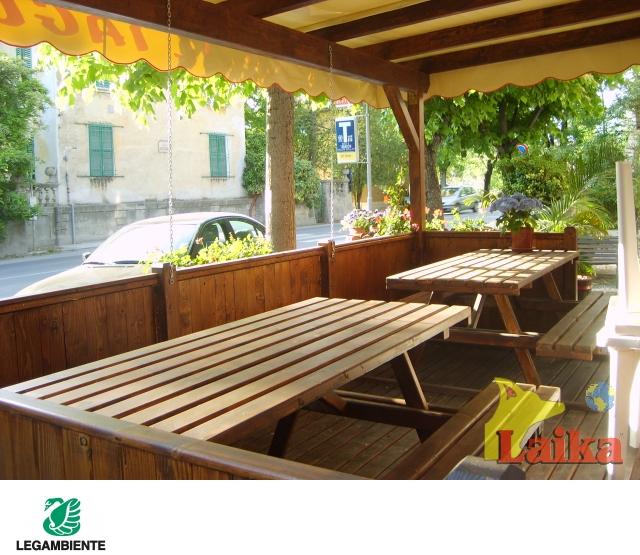 Laika progettazione produzione e vendita di canili box for Vendita tavoli in legno