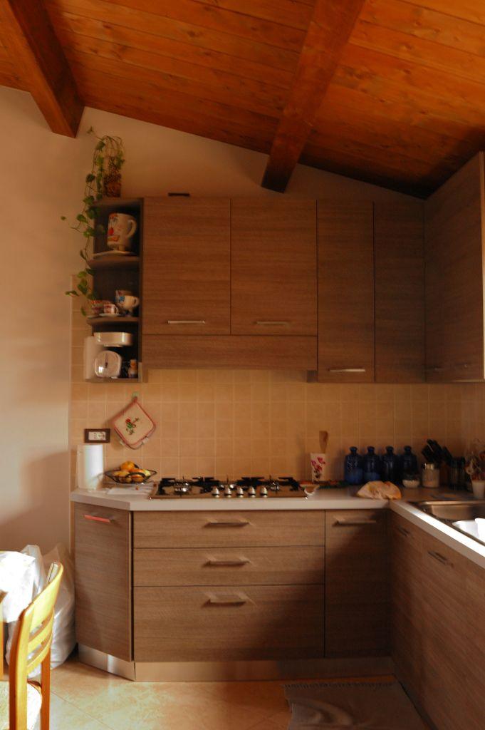 Laika progettazione produzione e vendita di canili box for Mattonelle interno casa